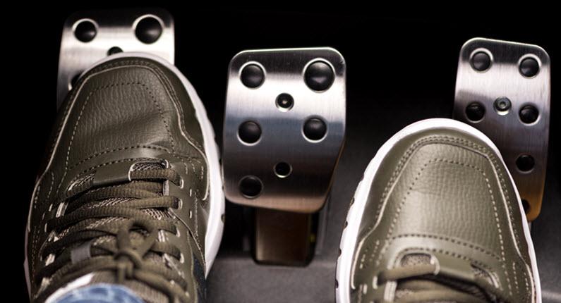 MINI Driver Foot On Clutch